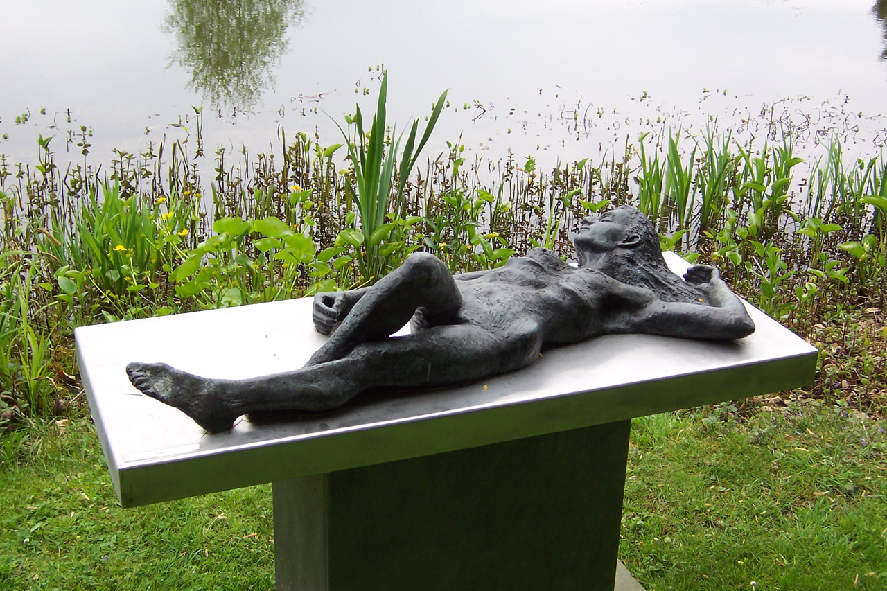 Eve - large sculpture by Alan Thornhill.